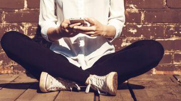 SMSen er fortsat populær men rummer en række begrænsninger, som bl.a. Apple og Facebook har forsøgt at omgå gennem deres beskedtjenester. Nu håber Google at kunne levere Android-verdenens pendant – men kommunikationen er ikke krypteret. Arkivfoto: Iris/Scanpix