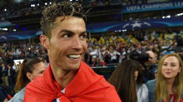 Real Madrids Cristiano Ronaldo chokerede alt og alle i et interview efter Champions League-triumfen.