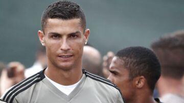 Cristiano Ronaldo skiftede i juli fra Real Madrid til Juventus for cirka 745 millioner kroner.