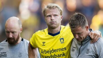 Brøndbys Paulus Arajuuri bliver skadet under superligakampen mellem Brøndby -Vejle på Brøndby Stadion søndag 22 juli 2018. (Foto: Liselotte Sabroe/Scanpix 2018)