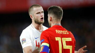 Eric Dier i ophedet diskussion med Sergio Ramos.