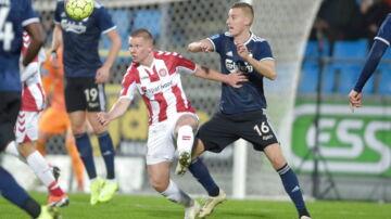 FCKs Jan Gregus (16) i aktion i Superliga-kampen mellem AaB og FC København på Aalborg Portland Park.