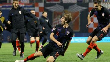 Tin Jedvaj blev Kroatiens store helt, da han scorede to gange i 3-2-sejren hjemme over Spanien i Nations League. Antonio Bronic/Reuters