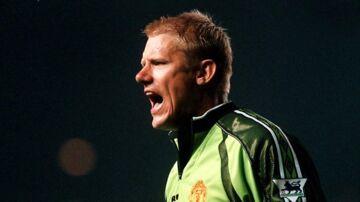 Peter Schmeichel råber i en kamp mellem Manchester United og Liverpool FC.