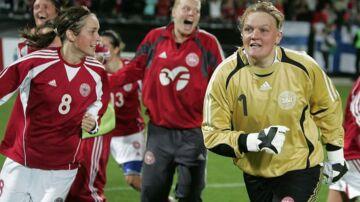 Heidi Johansen, til højre, optrådte 80 gange på det danske kvindelandshold i fodbold.