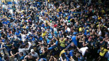 Boca Juniors fans fejrer en scoring i Copa Libertadores-finalen.