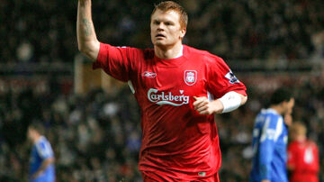 Liverpool's Norwegian defender John Arne Riise celebrates after scoring against Birmingham during their FA Cup quarter final match at Saint Andrews stadium in Birmingham, 21 March 2006. AFP PHOTO / Odd ANDERSEN  ODD ANDERSEN / AFP