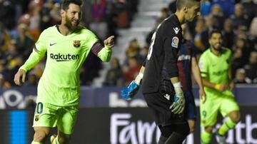 Lionel Messi er topscorer i den spanske liga med 14 mål. Søndag blev det til tre af slagsen i en 5-0-sejr ude over Levante. Jose Jordan/Ritzau Scanpix