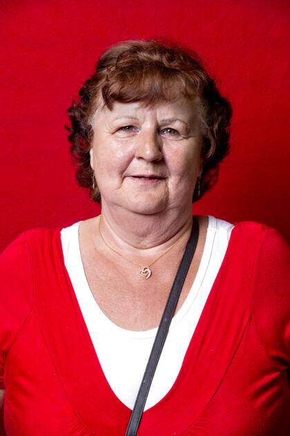Annie Holst, 70, pensionist.