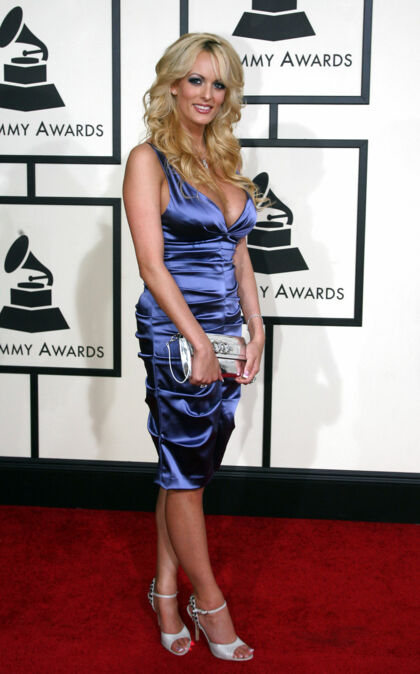 Her ses Stormy Daniels ved Grammy Awards i Los Angeles