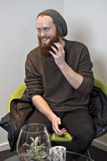 Jonas Flodager Rasmussen har haft fuldskæg i ni år.