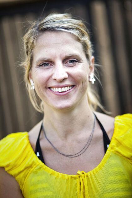 TV2s fiktionschef Katrine Vogelsang, der har erklæret krig mod DR, for at kapre nogle af de seere, der traditionelt stiller ind på Danmarks Radio for at se søndagsdrama.
