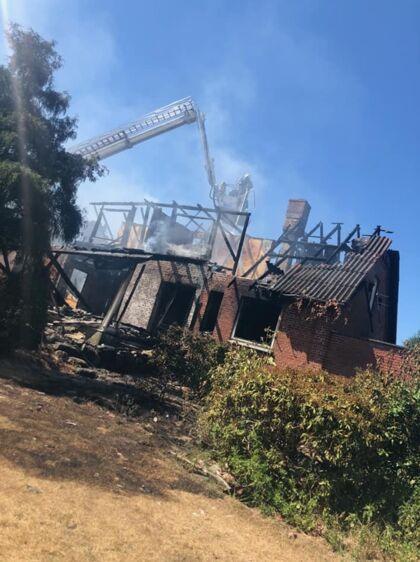 Sådan så Jeanne Andreasens hus ud, da brandmændene fik bugt med ilden efter 11 timers slukningsarbejde.
