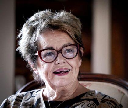 Jette Dreyer Hughes ville revne af stolthed, hvis hun havde vidst, at den danske diva Ghita Nørby lagde stemme til hendes breve og erindringer, mener Adrian Lloyd Hughes.