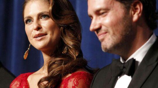På lørdag får Sveriges prinsesse Madeleine sin amerikanske finansmand, 38-årige Chris O'Neill. Her ses parret sammen under en tale af vicepræsident Joe Biden i Wilmington Delaware 11. maj 2013.