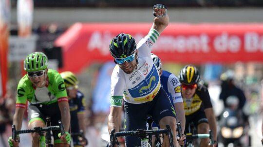 Alejandro Valverde fører Baskerlandet Rundt inden sidste etape. Fem andre ryttere står noteret for samme tid. Her er han i aktion i Volta Catalunya i marts.