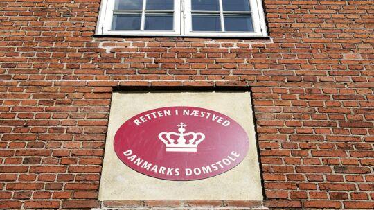 75-årige Thor Nørgaard risikerer fængselsstraf, fordi han har nægtet at male sit hus i en farve, der er tilladt ifølge lokalplanreglerne.