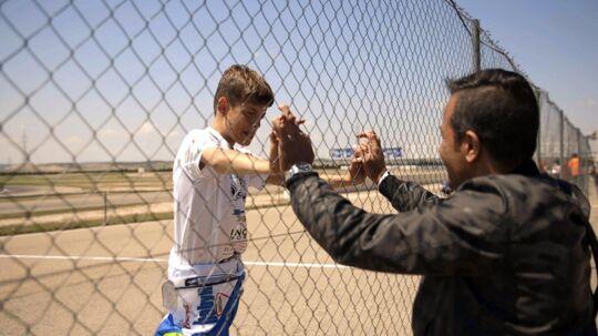 I DR-dokumentaren 'Jason & Noah – en chance til' følger man Jason Watt være både far og gokart-coach for sin 14-årige søn Noah.