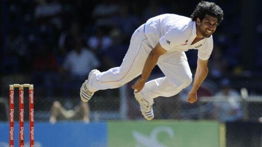 Amjad Khan var i sin storhedstid i England en af verdens hurtigste kastere. Blev i 2010 målt til 152 kilometer i timen.