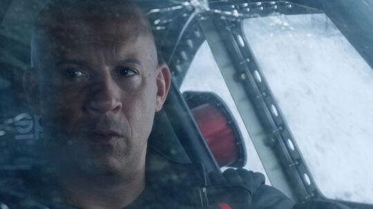 Dom (Vin Diesel) afpresses - i film nummer 8 - til at gå mod sit team, sin familie og sine principper. Foto: UIP