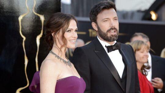 Hollywood-parret Ben Affleck og Jennifer Garner blev sepereret i 2015, men først nu gør parret skilsmissen endelig.