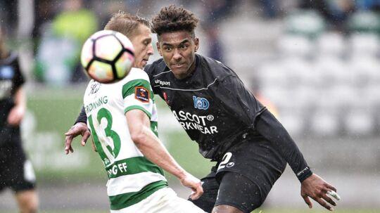 Viborg og Silkeborg delte med 0-0. Til højre er det Sammy Skytte fra Silkeborg i duel med Viborgs Jeppe Grønning.