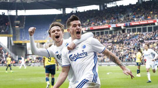 Peter Ankersen, FC København og Benjamin Verbic, FC København, jubler efter målet til 0-1.