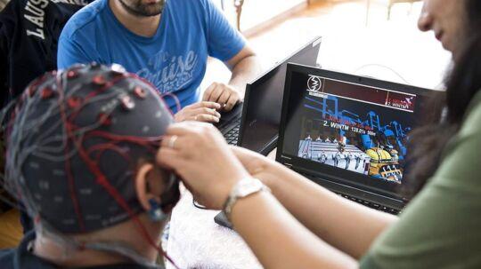Elektroder på hovedet kan bruges til at læse dine tanker. Arkivfoto.