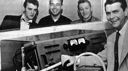 Elvis Presley, Scotty Moore, Bill Black og Sam Phillips, da der blev skrevet verdenshistorie i studiet i Memphis. Arkivfoto