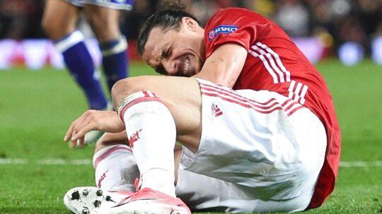 En svensk journalist frygter, at den knæskade, Zlatan Ibrahimovic pådrog sig torsdag, kan betyde afslutningen på karrieren for verdensstjernen.