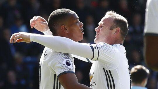 Både Anthony Martial og Wayne Rooney kom på tavlen for Manchester United mod Burnley.