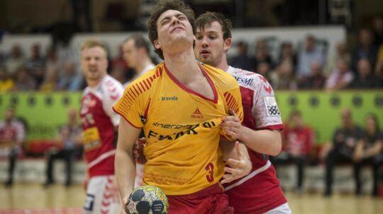 GOG (gule trøjer) førte, men Aalborg fik uafgjort og kan stadig nå semifinalerne.
