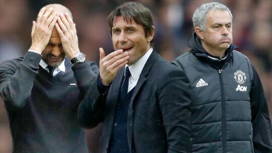 Chelsea-manager Antonio Conte (midten) mener, at Manchester-klubberne bør overveje transferstrategien en ekstra gang.