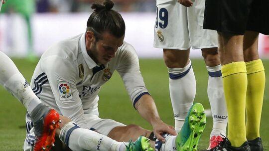 Real Madrid-stjernen Gareth Bale er skadet og meldes ifølge flere spanske medier ude i en måned.