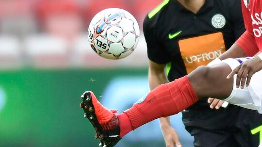 Fra næste sæson bliver det den legendariske danske Select-bold, som skal trille henover græsset i Bundesligaen