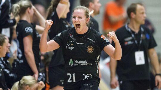 Anne Mette Pedersen, København Håndbold, jubler efter en scoring.