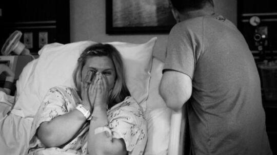 Her får Keri og Royce Young beskeden om, at Evas øjne har kunnet doneres videre til en anden. Et lysglimt midt i en enorm sorg over at skulle miste deres nyfødte barn.