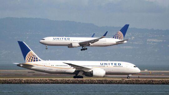 En fransk kvinde kom ved en fejl med et fly til San Francisco i stedet for til Paris. Hun endte med at flyve 4000 kilometer den forkerte vej, og i stedet for en tyr på syv en halv time var hun undervejs i 28 timer.