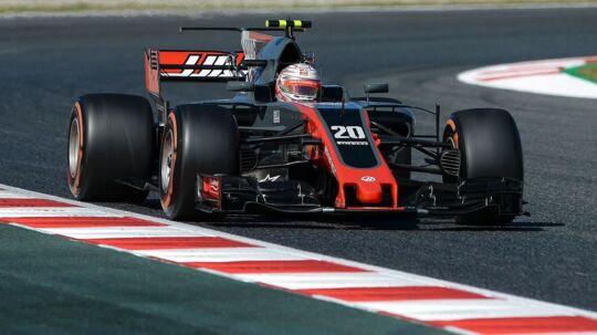 Haas-teamchef Günther Steiner er forsigtig optmist efter tidskørslen, hvor Kevin Magnussen (bill.) sluttede som nummer 11, mens holdkammeraten Romain Grosjean blev nummer 14.