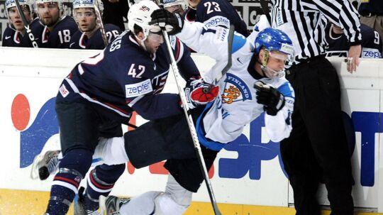 Lasse Kukkonen, Finlands anfører, havde en batalje med en dommer ved VM i ishockey.