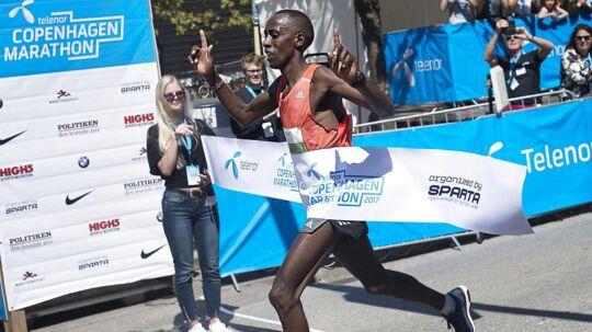 Copenhagen Marathon i København blev løbet søndag. Vinderen blev løberen Julius Ndiritu Karinga fra Kenya med en tid på 02.12.11.