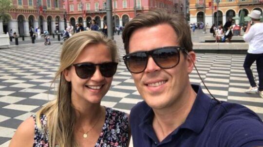 Nina Kråkemo og Per Køste er blandt de 100 passagerer, der søndag blev efterladt i Nice på grund af pladsmangel om bord på Norwegian-fly.