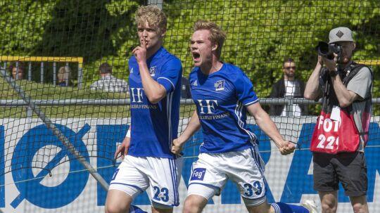 Lyngby kan vinde bronzemedaljer søndag - men klubben ved ikke, om den kan få lov at spille i Superligaen i næste sæson.