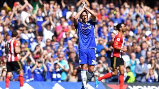 John Terry blev skiftet ud i 26. minut af Chelseas sidste Premier League-kamp.