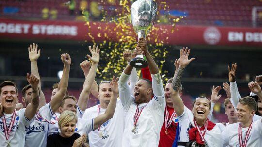 Stephan Andersen (rød trøje) blev kåret til Årets Pokalfighter