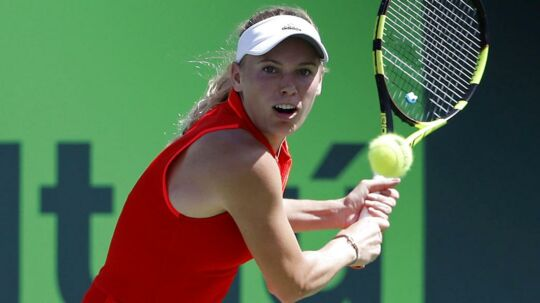 17-årige Jaimee Fourlis bliver første sten på vejen for Caroline Wozniacki i French Open.
