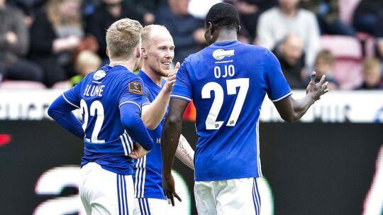 Lyngby fejrer målet til 2-0 i kampen mod FCM, som oprykkerne vandt 3-0. Dermed har holdet vundet bronze, mens FCM skal spille kvalifikation til Europa League.
