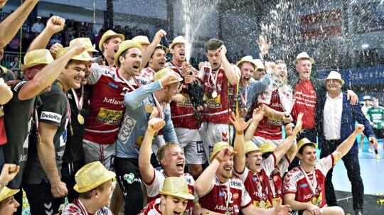 2. DM finale i herrehånd: Skjern vs Aalborg Håndbold. Guld til Alborg.