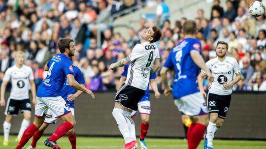Nicklas Bendtner (9) kom ikke på scoringslisten, da Rosenborg spillede 1-1 ude mod Vålerenga. Det gjorde klubbens anden dansker, Mike Jensen, heller ikke, men lagde op til sit holds enlige mål.