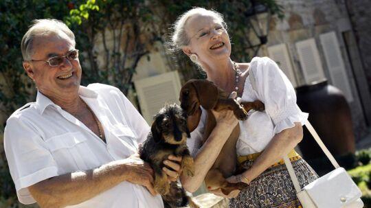 Passionen for gravhunde er en af de ting, der har styrket regentparrets forhold, mener eksperter.